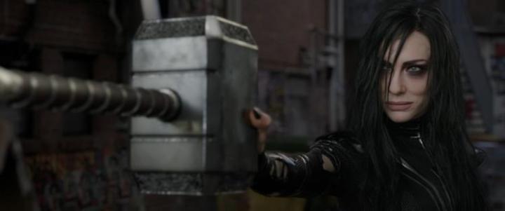 Thor:Ragnarok is totally, madly, wonderfullyskux